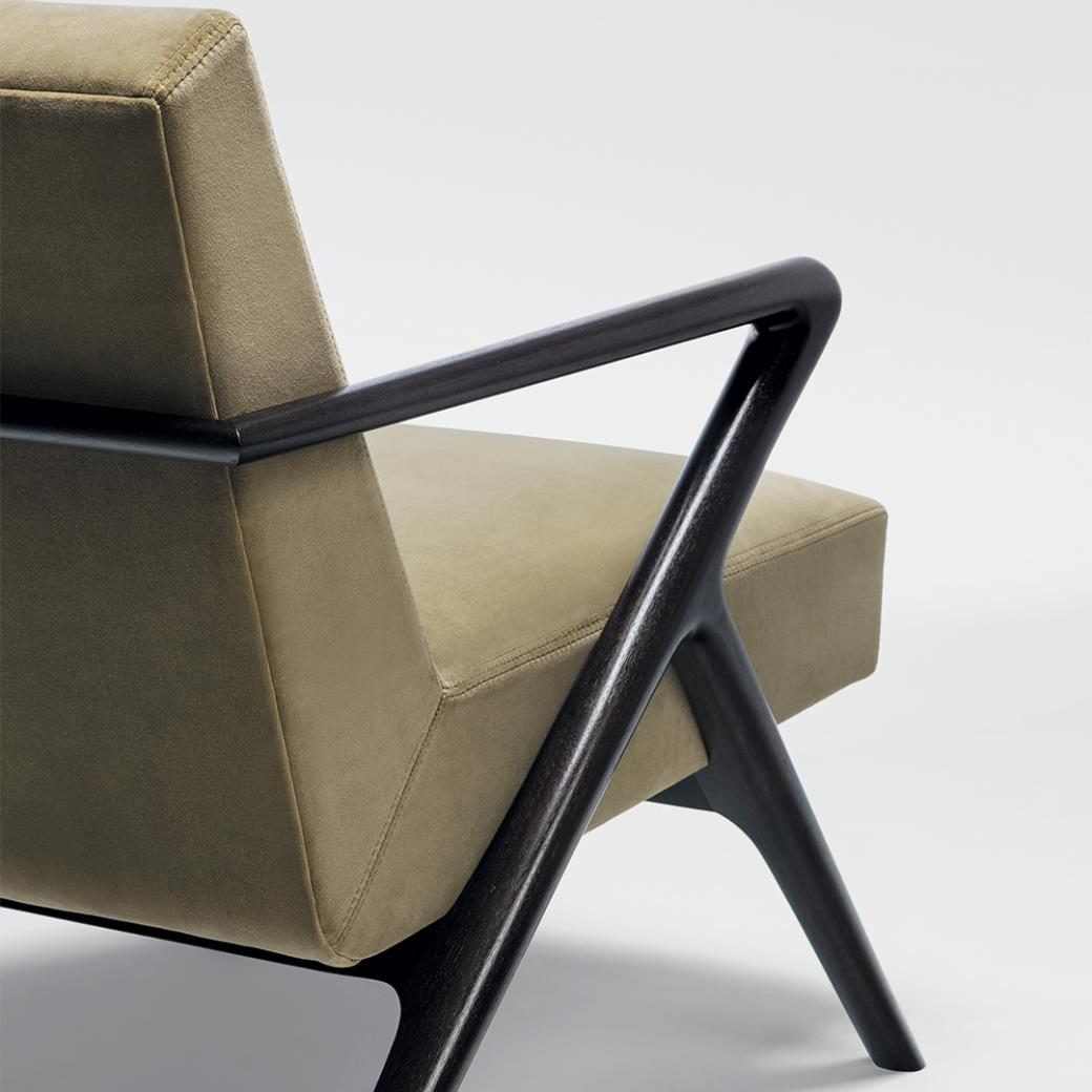 HOLLY HUNT Studio Capri Lounge Chair