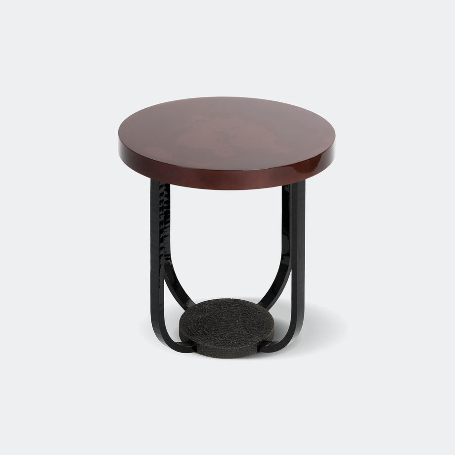 Pavo Pedestal Table