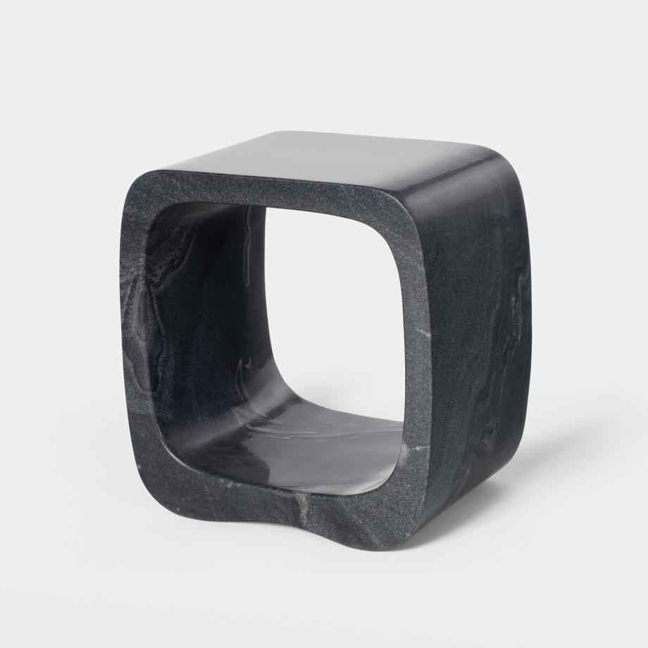Bell Pepper Side Table Sz 2, Abu Black Marble