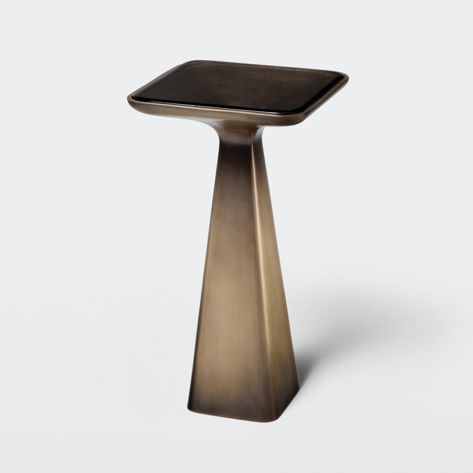 Goblet Drink Table
