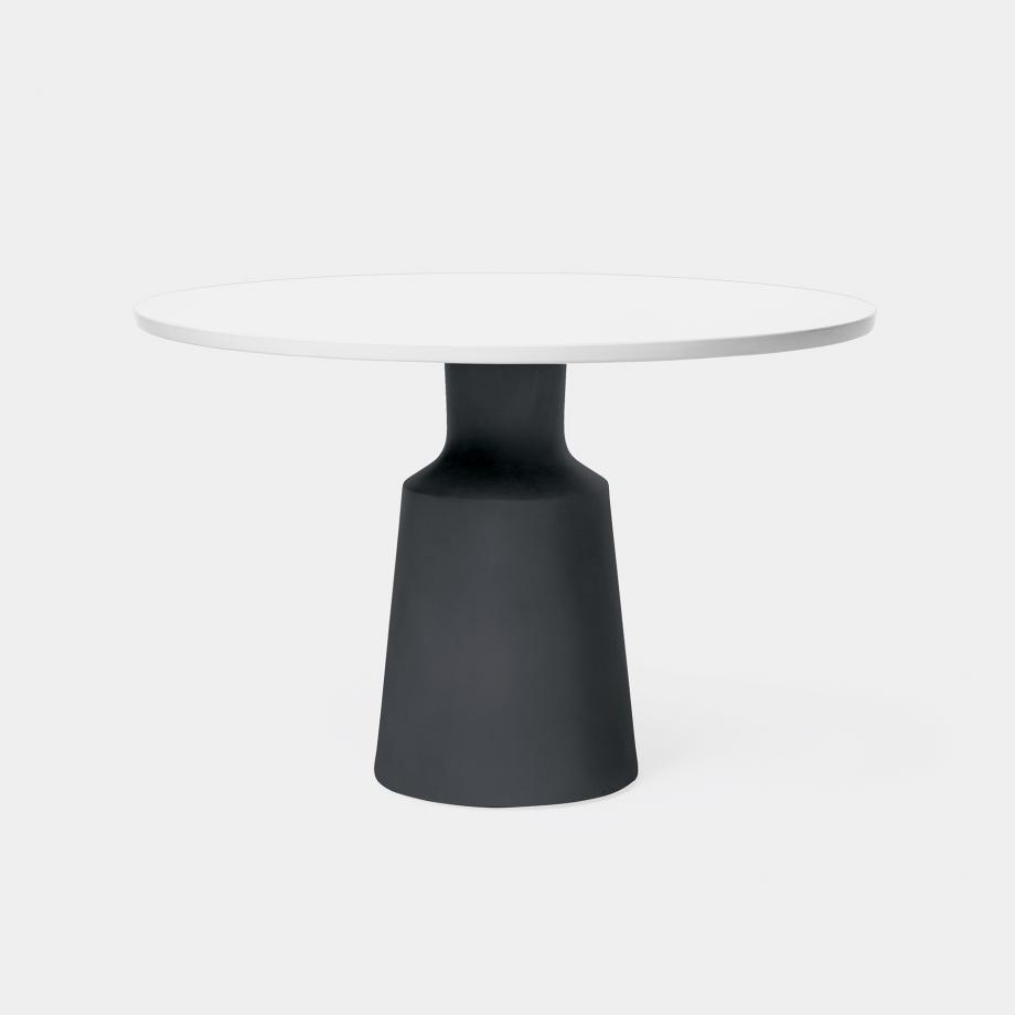 Outdoor Peso Dining Table Sz 1, Pure White Top, Abyss Black Base